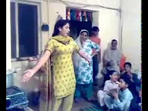 YouTube   ‪Peshawar Girl dance in wedding at home with a nice pashto song‬‏