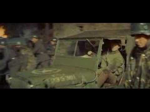 Kelly's Heroes intro