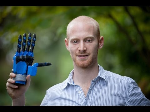 Amazing robotic hand made with 3D printer