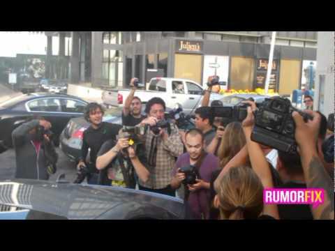 Jessica Alba caught in paparazzi fiasco