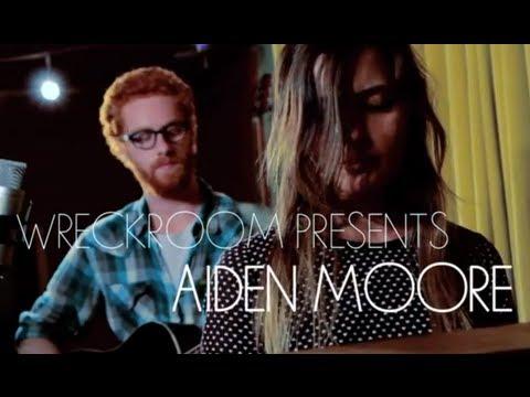 AIDEN MOORE (Feat. Sara Alviti) - Fireflies