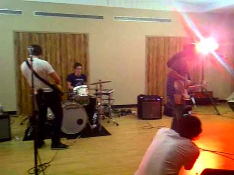 Lay Low- Walk Off The Earth live at the YMCA Music Videos