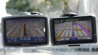 TomTom XL 350TM VS Garmin Nuvi 205
