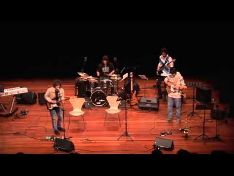 The Gypsies - Crazy World (liveteatro Constantino Nery) video
