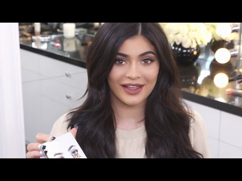 Kylie Jenner Debuts New 'KYSHADOW' Eye Makeup Palette
