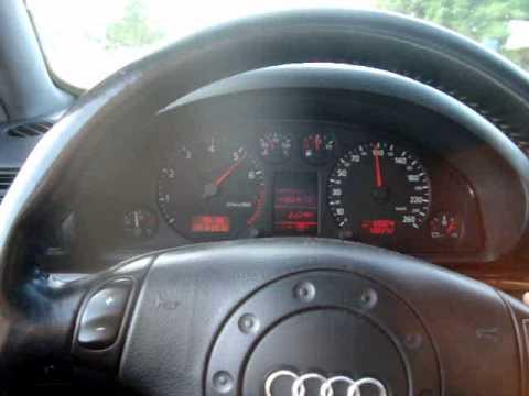Audi A4 2.8 30V Tiptronic. Escapamento esportivo.