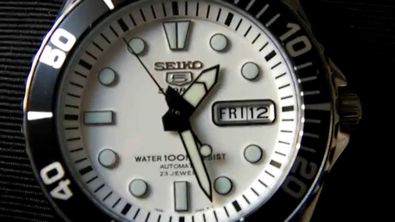 seiko 5 sports automatic watch movement  snzf11k1