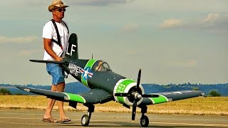 F4U-4 CORSAIR GIANT RC SCALE MODEL AIRPLANE FLIGHT DEMONSTRATION / United-RC-Flights Bayreuth 2016
