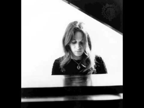 Carole King - Now That Everything