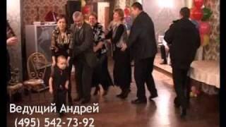 Танцевальный конкурс на взрослом празднике