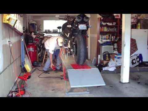 Auto Lift Motorcycle Lift  Review - Suzuki B-King & Honda Goldwing