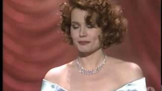 Geena Davis Wins Supporting Actress: 1989 Oscars
