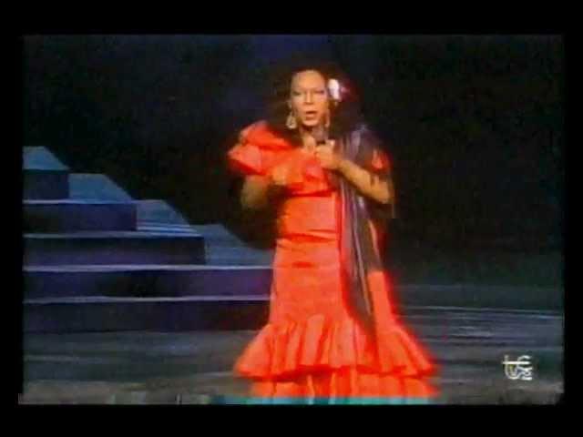 Julio Sabala imita a Lola Flores y Julio Iglesias en el Festival de la OTI 1990