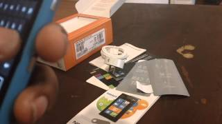 Unboxing the Nokia Lumia 900