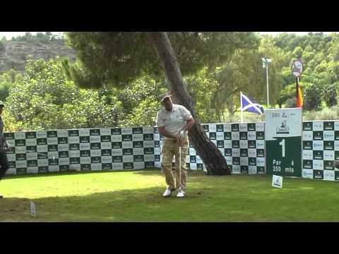 Salida Pablo Larrazabal Colin Montgomerie y John Daly Castello Masters 2011.m4v