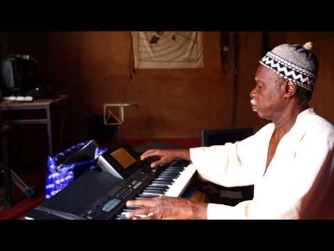 Mamman Sani Abdoulaye - Tunani video