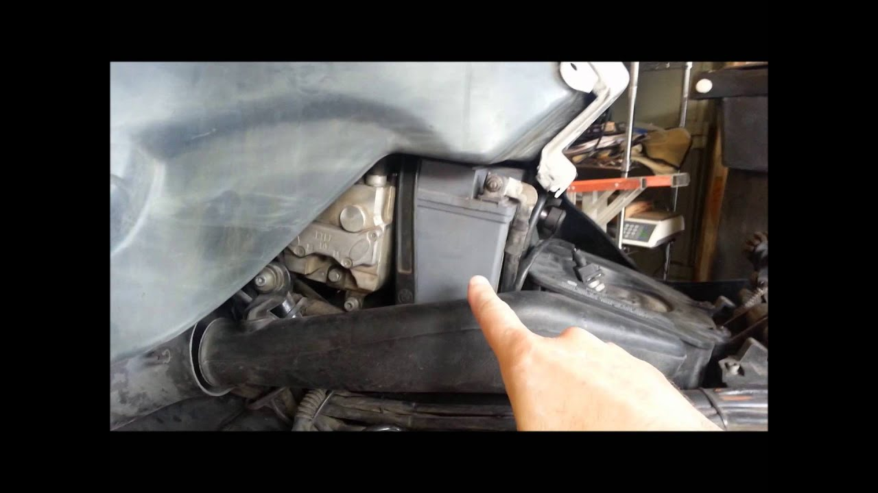 how to replace the battery on a bmw motorcycle youtube. Black Bedroom Furniture Sets. Home Design Ideas