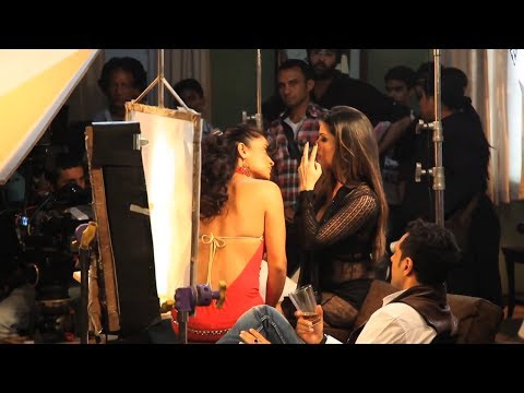 Sunny Leone Liplocks With Sandhya Mridul | Making Of Ragini Mms 2 video