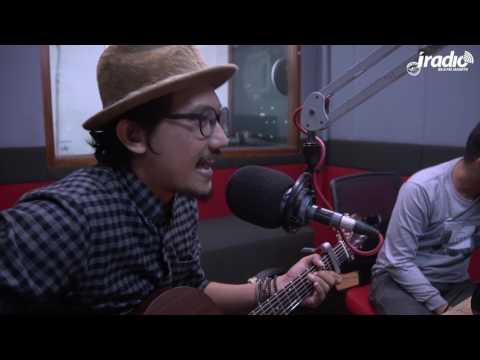 download lagu #Indokustik Sandy Canester - Sedang Jatuh Cinta gratis