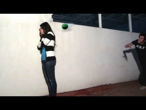 Jugando con globos con agua
