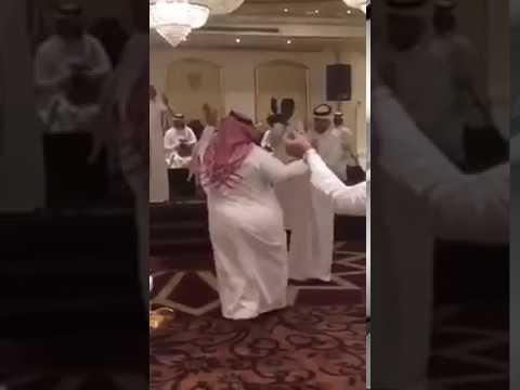 رقص في حفلة لمخنتين خليجيين thumbnail