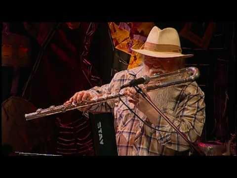 Hermeto Pascoal - Taynara ou Jegue (Hermeto Pascoal) - Instrumental SESC Brasil - 03/01/2011