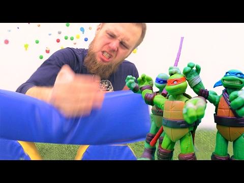 Видео для детей: игры Черепашки ниндзя! Дима учится быть ниндзя. Фабрика героев.
