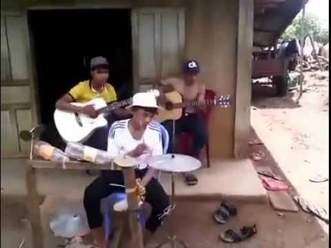 Ban nhạc rock tây nguyên | Hudební Soubor