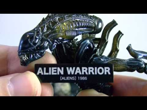 REVOLTECH  ALIEN WARRIOR figure review  part 1