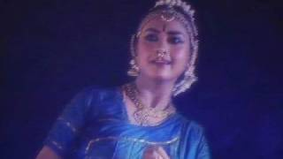 Featured in the video is a Bharatanatyam performance excerpt based on a composition in Malayalam, Neelakkarmukil Varnan by Rajashree Warrier. For more inform...