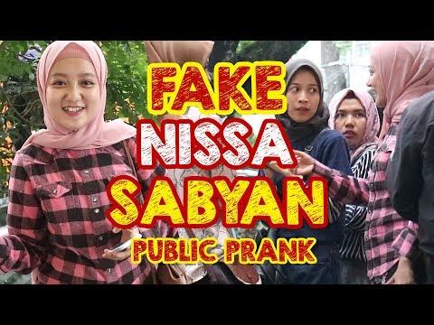 FAKE NISSA SABYAN | PUBLIC PRANK #prank #prankindonesia