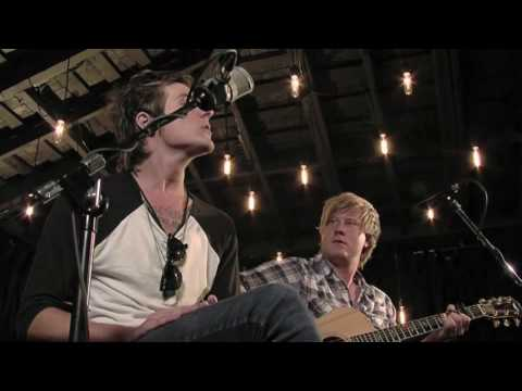The Maine - I Must Be Dreaming (Acoustic) (Live @ Betarecords)