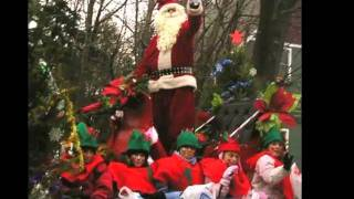 Watch James Taylor Santa Claus Is Coming To Town video