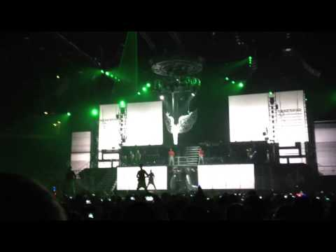 Justin Bieber AATW live on the Believe Tour!