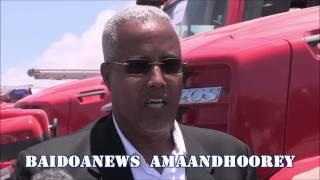SOMALIA OO LAGU WAREEJIYEY BAABUURTA DAB DAMISKA -  UNSOA DONATES FIRE TRUCK TO SOMALI GOVERNMENT