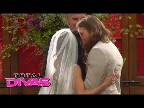 Brie Bella and Daniel Bryan exchange wedding vows: Total Divas Season 2 Finale, June 1, 2014