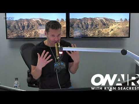 download lagu Seacrest Vs John Cena: Early Morning Outfits  On gratis