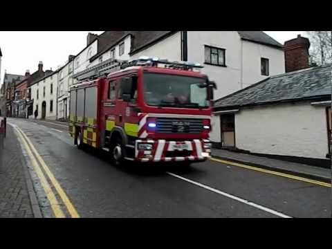 Fire Engine Rescue Response St Asaph Flooding Floods Disaster Wales 27.11.12