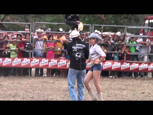 Segundo Jaripeo Fiestas de El Agua Caliente,Chalatenango 2012