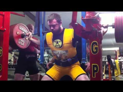 Justin McKelvey - 365kg Reverse Band Squat