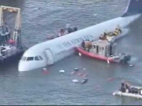 US Airways emergency landing hudson river (water)  part 1