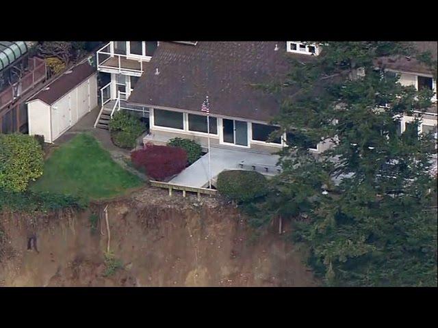 Des Moines landslide forces evacuations