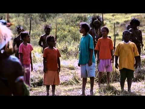 Di Timur Matahari - Scene Mazmur Menyanyi Di Tengah Perang Suku video