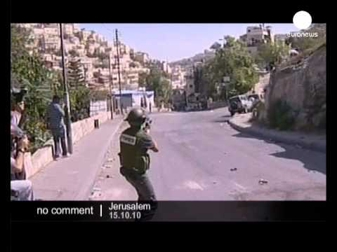 Israeli soldiers clash with Palestinians in... - no comment