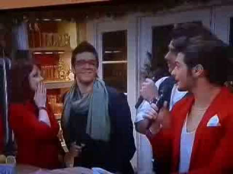 IL VOLO   Home Family 11 25 13 White Christmas in English and Italian