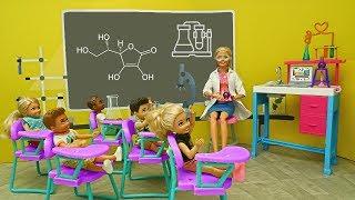 Barbie Doll Teaches Science Class - Doll School Lab