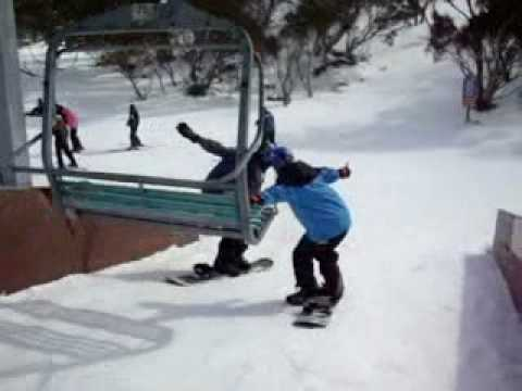 Funny Epic Fail Pictures Of People Getting off a Chairlif...