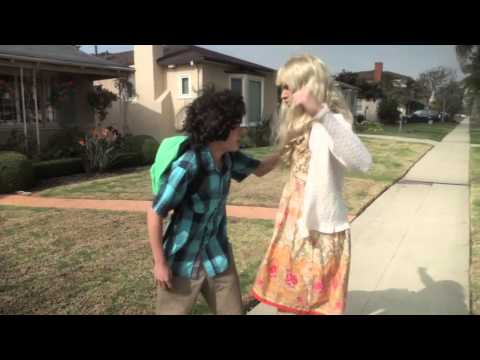 KEY OF AWESOME-Taylor Swift - I Knew You Were Trouble PARODY