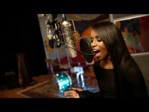 Angel Haze - Supreme exclusively for BBC Radio 1Xtra