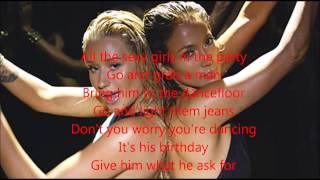 Jennifer Lopez ft Iggy Azalea Booty TESTO